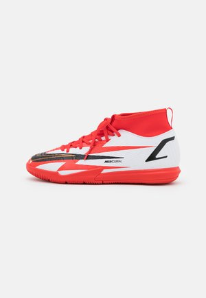MERCURIAL JR 8 ACADEMY CR7 IC UNISEX - Indoor football boots - chile red/black/white/total orange