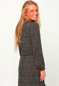 Noella - ARI - Day dress - camel flower - 2