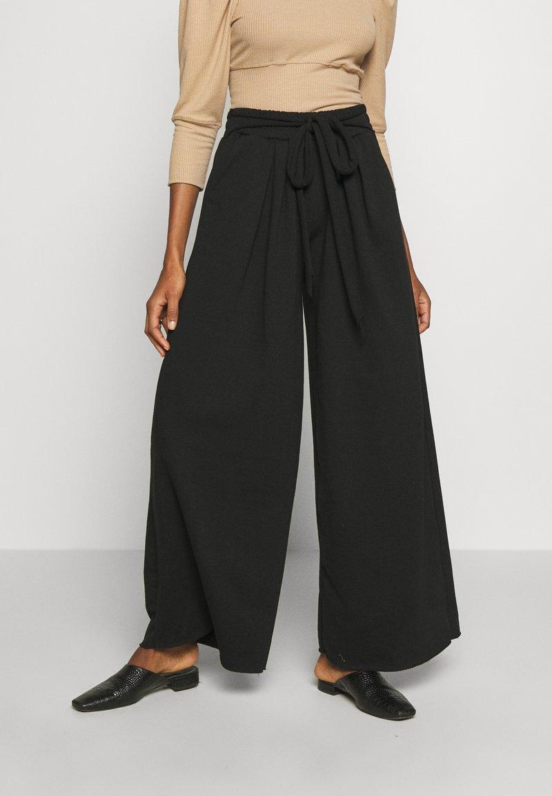 Trendyol - Bukse - black