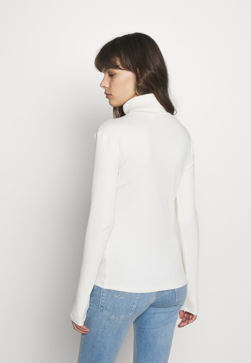 Gestuz - ROLLA ROLLNECK - Long sleeved top - off white