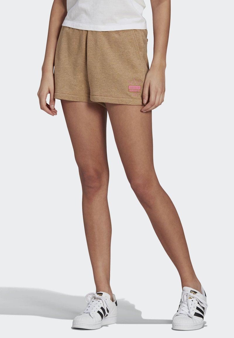 adidas Originals - R.Y.V. SHORTS - Shorts - beige