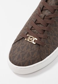 MICHAEL Michael Kors - KEATON LACE UP - Sneaker low - brown - 2