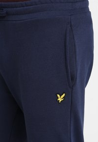 Lyle & Scott - Pantalon de survêtement - navy - 7