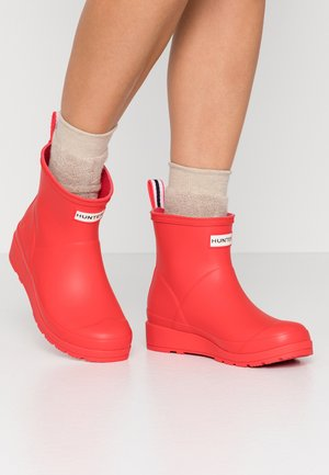 PLAY BOOT SHORT VEGAN - Holínky - red