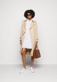 Lauren Ralph Lauren - ATHLEISURE - Pouzdrové šaty - white - 1