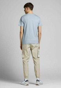 Jack & Jones - Print T-shirt - dusty blue - 2