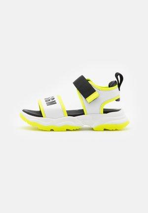 UNISEX - Sandalias - white/neon yellow