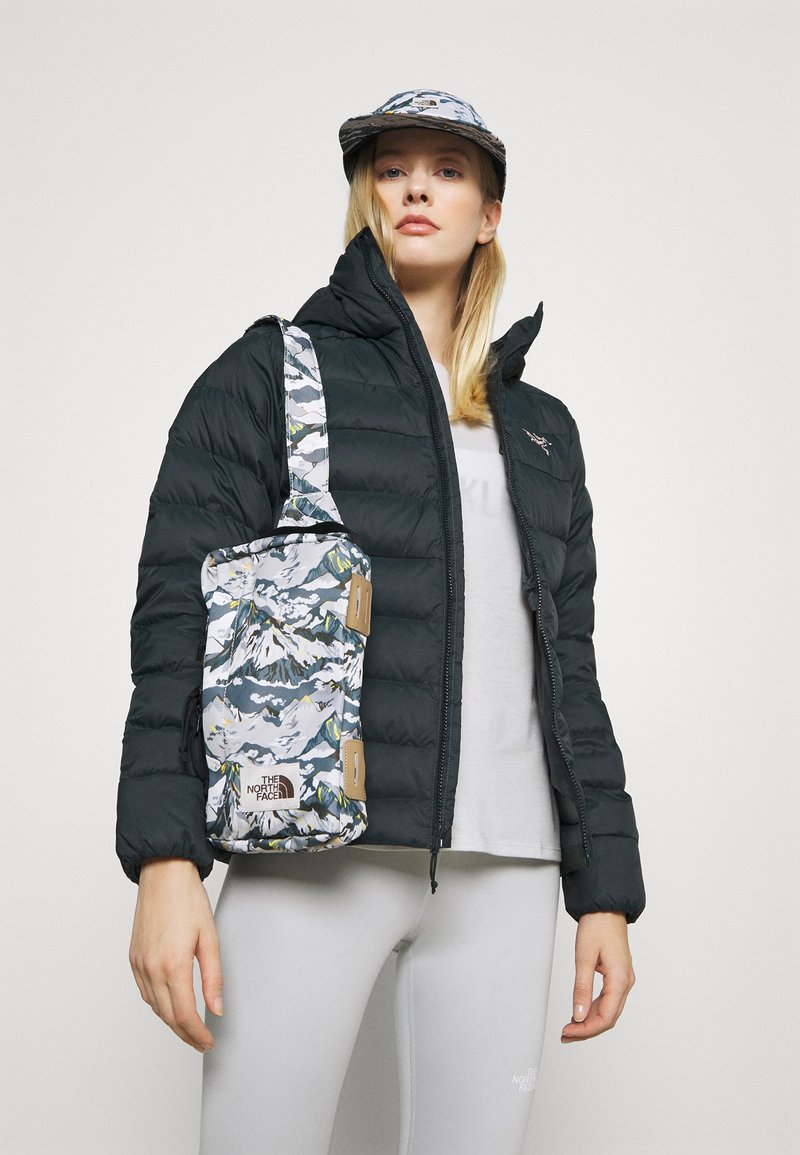 The North Face - LIBERTY FIELD BAG - Rucksack - white liberty