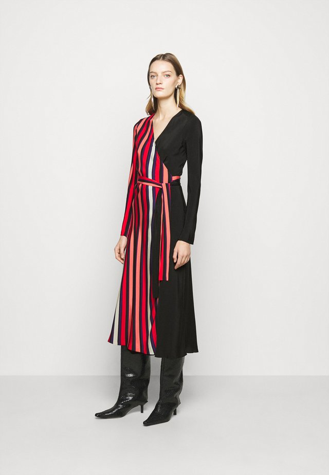 TILLY MIDI - Vestido informal - pop red/black