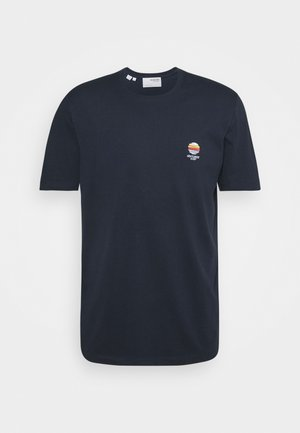 SLHFATE CAMP O NECK TEE - Print T-shirt - sky captain