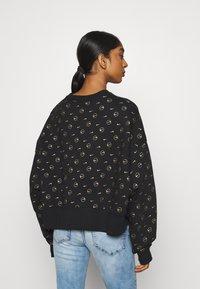 Nike Sportswear - CREW PACK - Sweatshirt - black - 2