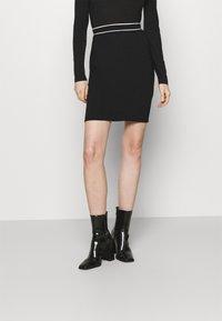 Anna Field - Mini punto smart comfy skirt - Pencil skirt - black/white - 0