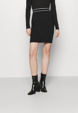 Mini punto smart comfy skirt - Pouzdrová sukně - black/white