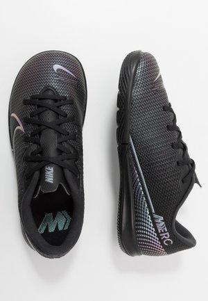 MERCURIAL JR VAPOR 13 ACADEMY IC UNISEX - Indoor football boots - black