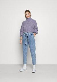 ONLY - ONLJANE PAPERBAG BELT - Relaxed fit jeans - light-blue denim - 1