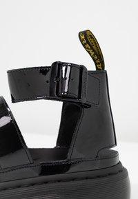 Dr. Martens - CLARISSA II - Sandály na platformě - black - 2