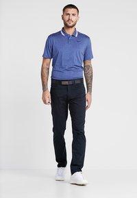 Nike Golf - FLEX 5 POCKET PANT - Trousers - black/wolf grey - 1