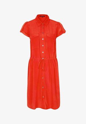 MIT TUNNELZUGBUND - Shirt dress - milky red