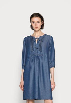 POPPY DRESS - Denim dress - blue denim