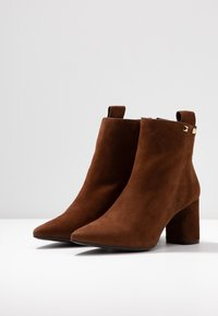 Pedro Miralles - Ankle boots - castano - 4