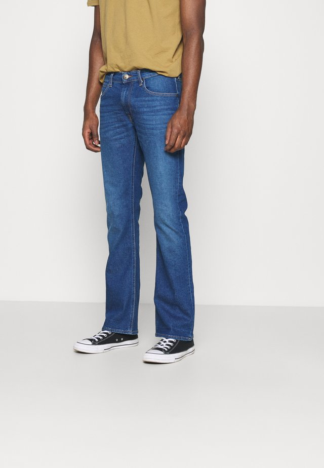 TRENTON - Jeans a sigaretta - mid blue
