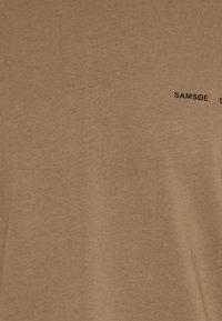Samsøe Samsøe - NORSBRO - Print T-shirt - caribou - 2