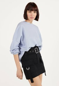 Bershka - MIT GÜRTEL  - A-line skirt - black - 0