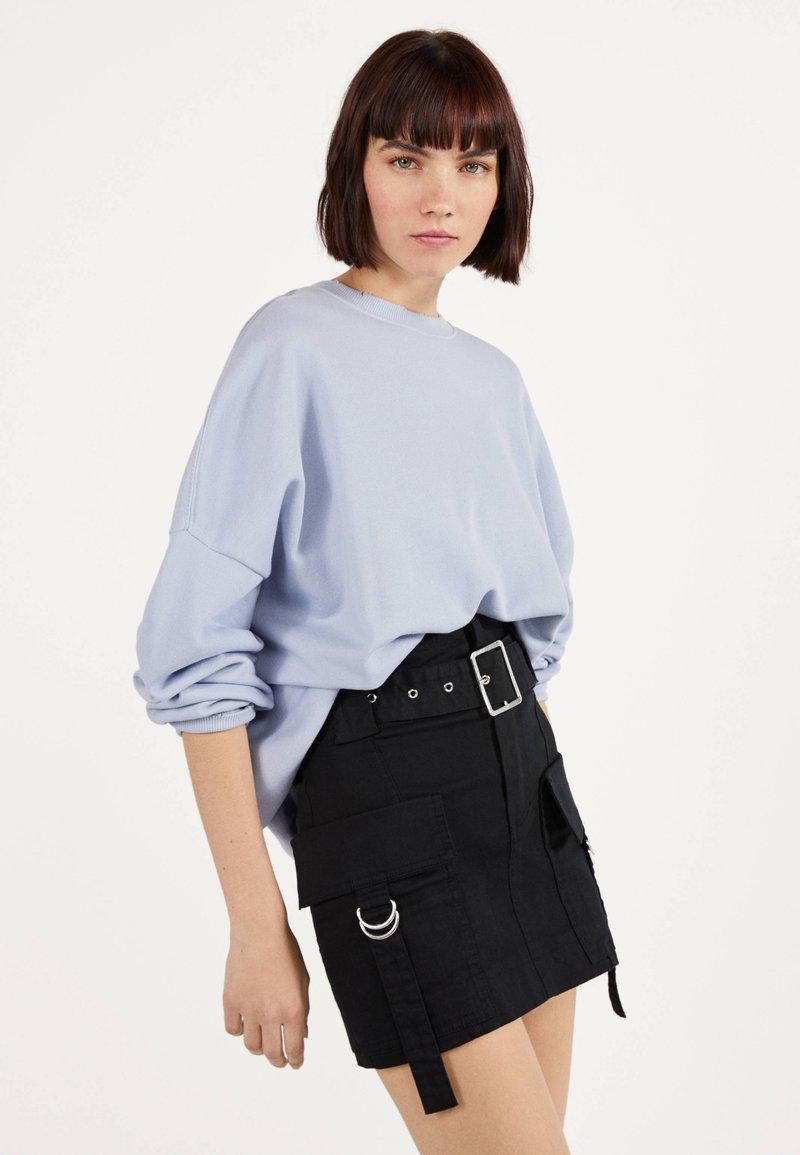 Bershka - MIT GÜRTEL  - A-line skirt - black