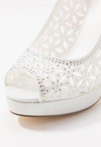Menbur - Peeptoe heels - ivory - 2