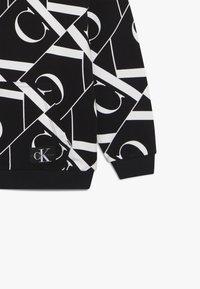 Calvin Klein Jeans - MIRROR MONOGRAM HOODIE - Mikina skapucí - black - 3
