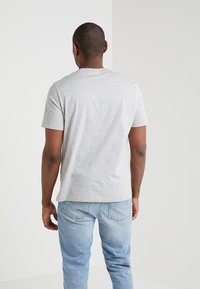 Filippa K - SINGLE CLASSIC TEE - Basic T-shirt - light grey - 2