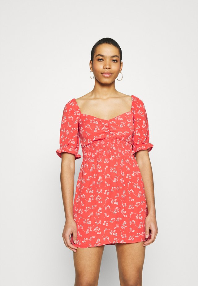 SMOCKED WAIST PAMI SHORT DRESS - Korte jurk - red