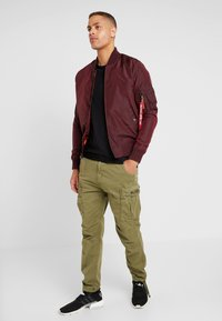 Alpha Industries - SQUAD - Cargobroek - olive - 1