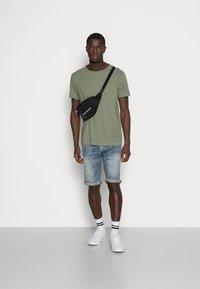 Selected Homme - SLHMORGAN O-NECK TEE - Basic T-shirt - sea spray - 1