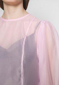 Weekday - VANESSA DRESS - Denní šaty - pink light - 5