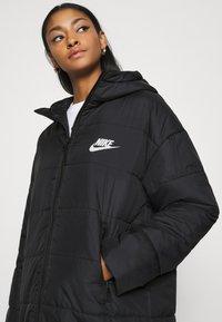 Nike Sportswear - CORE - Vinterkappa /-rock - black/white - 3