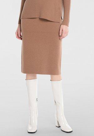 Falda de tubo - karamell