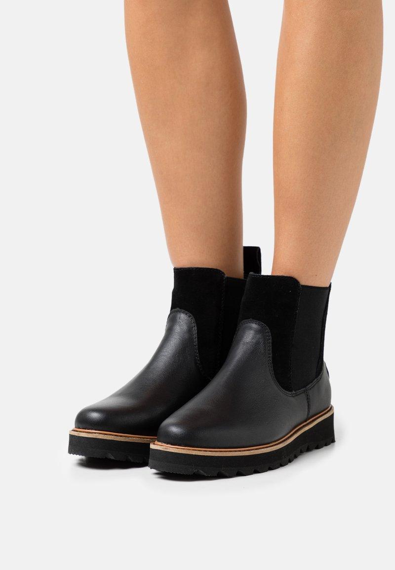 Roxy - MARREN - Kotníkové boty na platformě - black