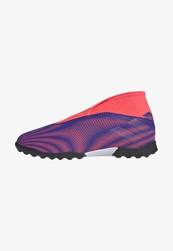 NEMEZIZ  FOOTBALL BOOTS TURF - Astro turf trainers - eneink/eneink/sigpnk