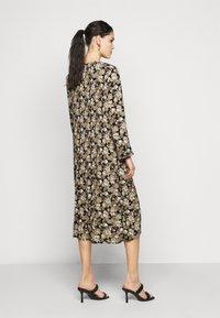 PIECES Tall - PCDAGMAR DRESS - Kjole - black - 2