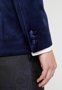Burton Menswear London - TOP SHAWL LAPEL - Chaqueta de traje - navy - 6