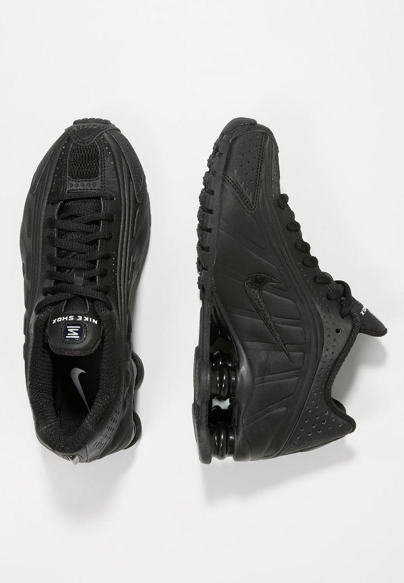 Nike Sportswear - SHOX R4 - Sneakersy niskie - black