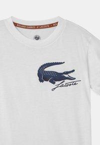 Lacoste Sport - UNISEX - Print T-shirt - white/navy blue - 2