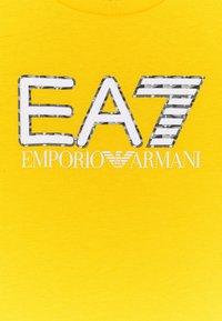 Emporio Armani - EA7 - Print T-shirt - yellow - 2