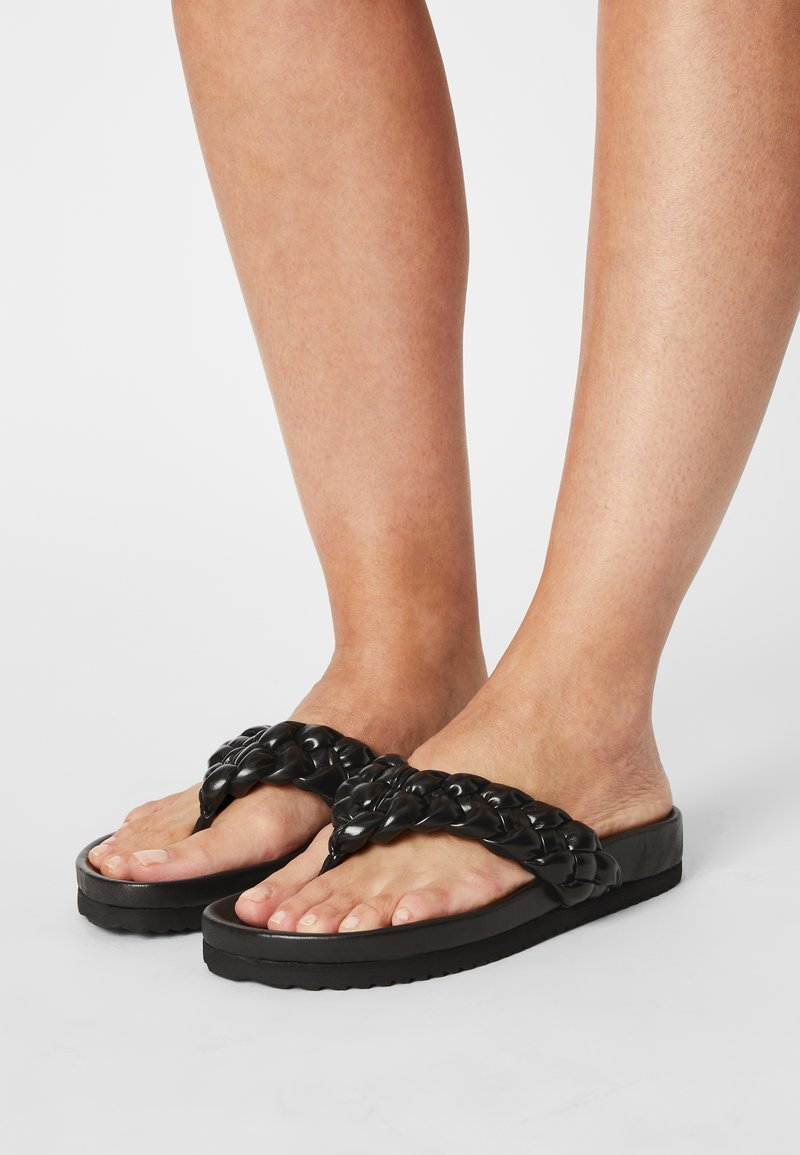 Toral - T-bar sandals - black