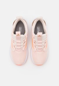 adidas Performance - ENERGYFALCON CLOUDFOAM RUNNING SHOES - Juoksukenkä/neutraalit - pink tint/light flash orange/copper metallic - 3