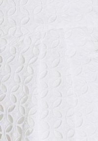 MICHAEL Michael Kors - EYELET PLEATED - Shorts - white - 5