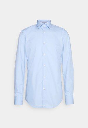 KOEY - Formal shirt - light/pastel blue