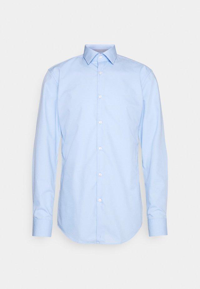 KOEY - Camicia elegante - light/pastel blue