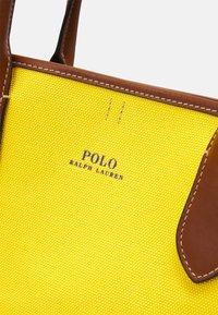 Polo Ralph Lauren - OPEN TOTE - Kabelka - yellow - 6